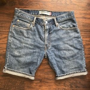 Levi's Straight Fit Jean Shorts